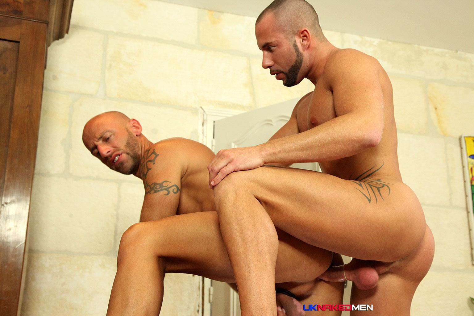 Gay men fucking naked